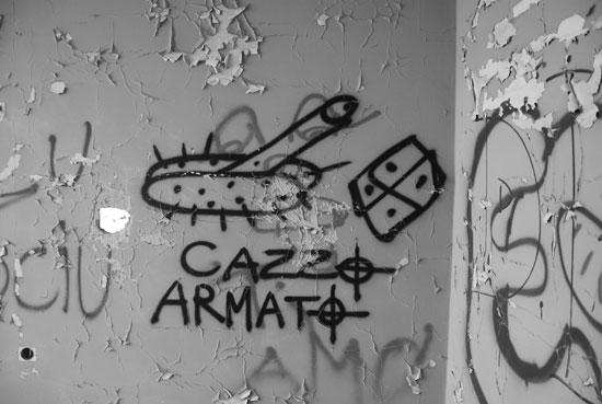 Scritte sui muri nei posti abbandonati, messaggi per le future generazioni.