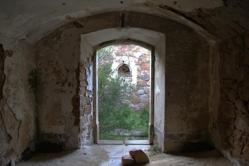 Fortezza capo d 39 orso sardegna abbandonata for La fortezza arredamenti commerciali